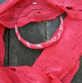 sjaaltje met ketting